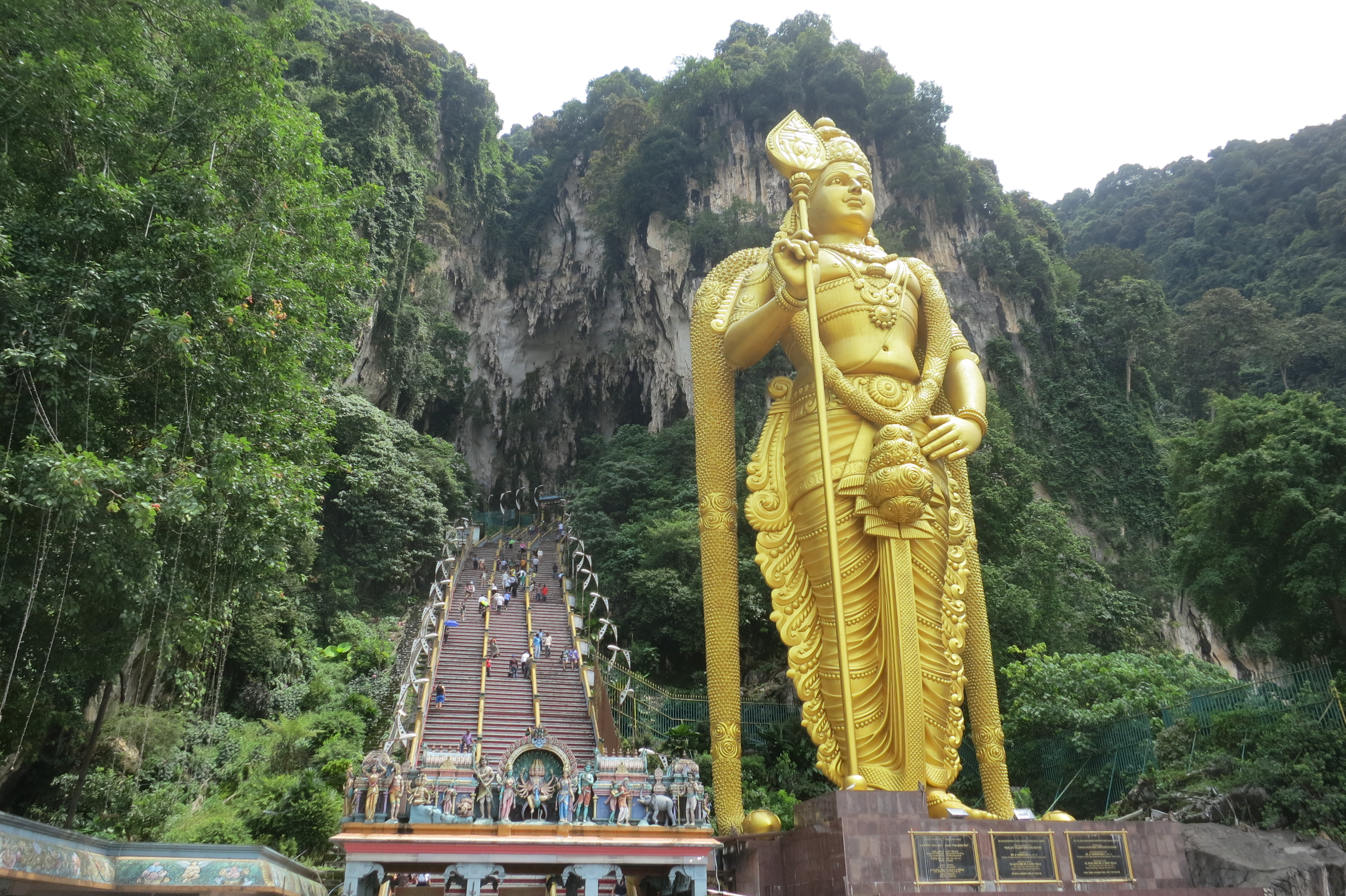 How To Visit the Batu Caves