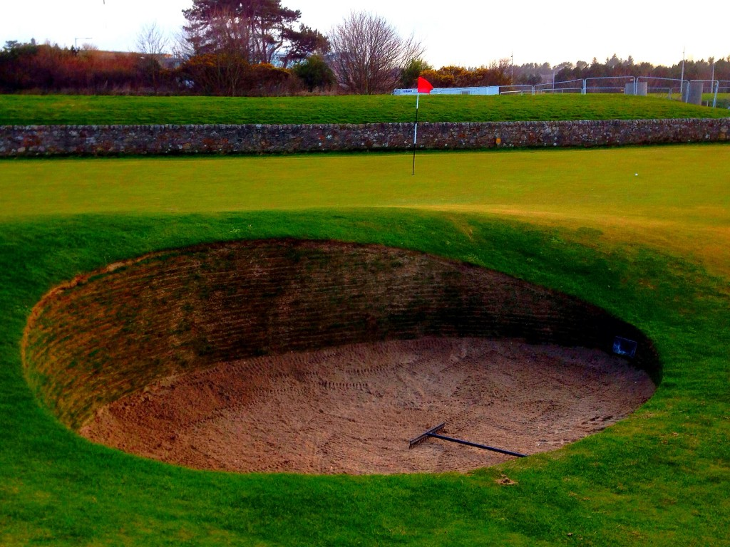 road hole bunker, Scotland, St. Andrews, the Old Course at St. Andrews
