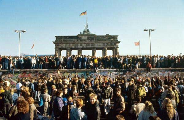 Fall of the Berlin Wall Anniversary Tour