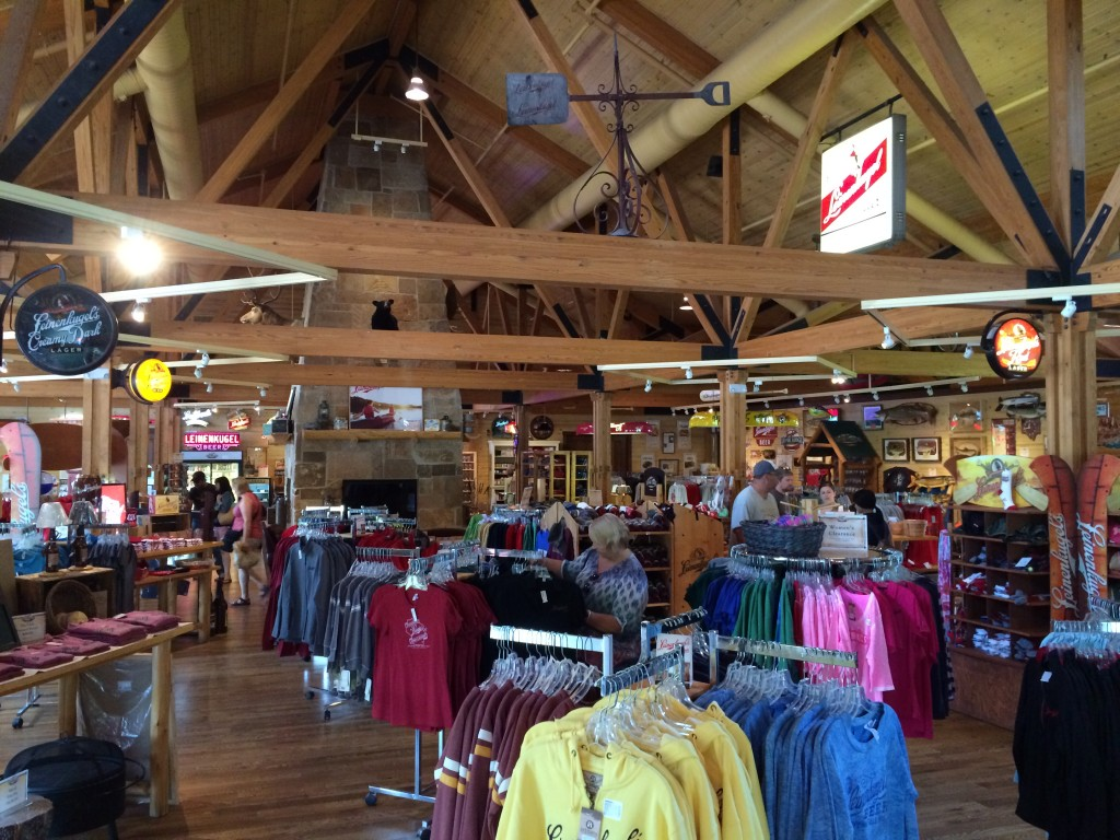 Chippewa Falls, Wisconsin #DoMoreCountry, Country Inn & Suites, Leinenkugel Brewery, Leinies Lodge