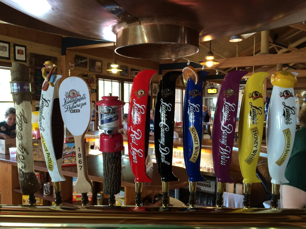 Chippewa Falls, Wisconsin #DoMoreCountry, Country Inn & Suites, Leinenkugel Brewery, taps, Leinies Lodge