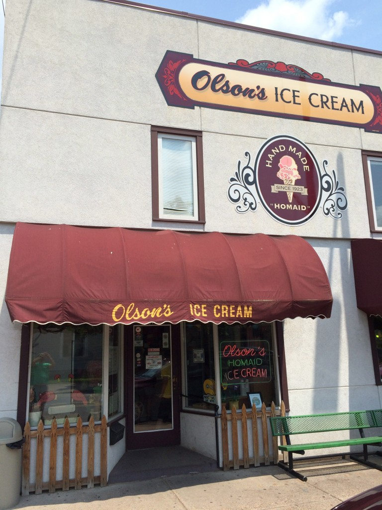 Chippewa Falls, Wisconsin #DoMoreCountry, Country Inn & Suites, Olson's Ice Cream