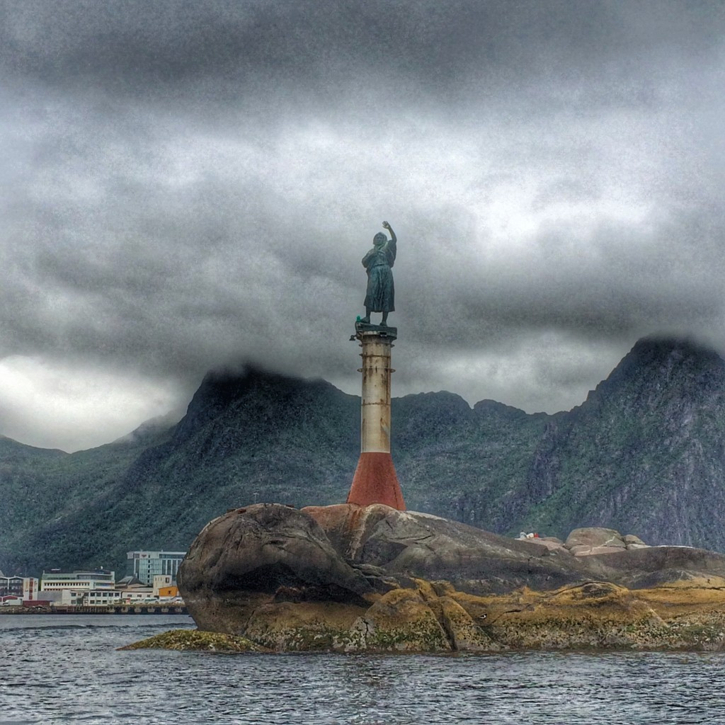 fisherman's wife, statue, Svolvaer, Norway