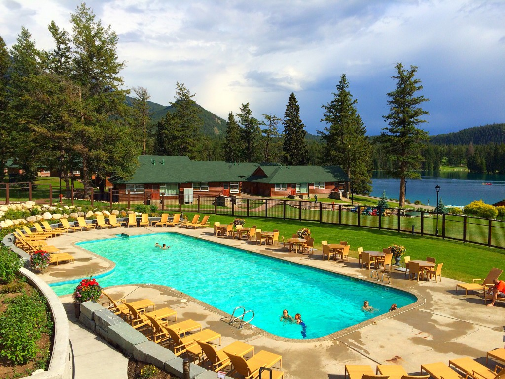 Fairmont Jasper Park Lodge, Jasper, Alberta, Canada, pool, lake