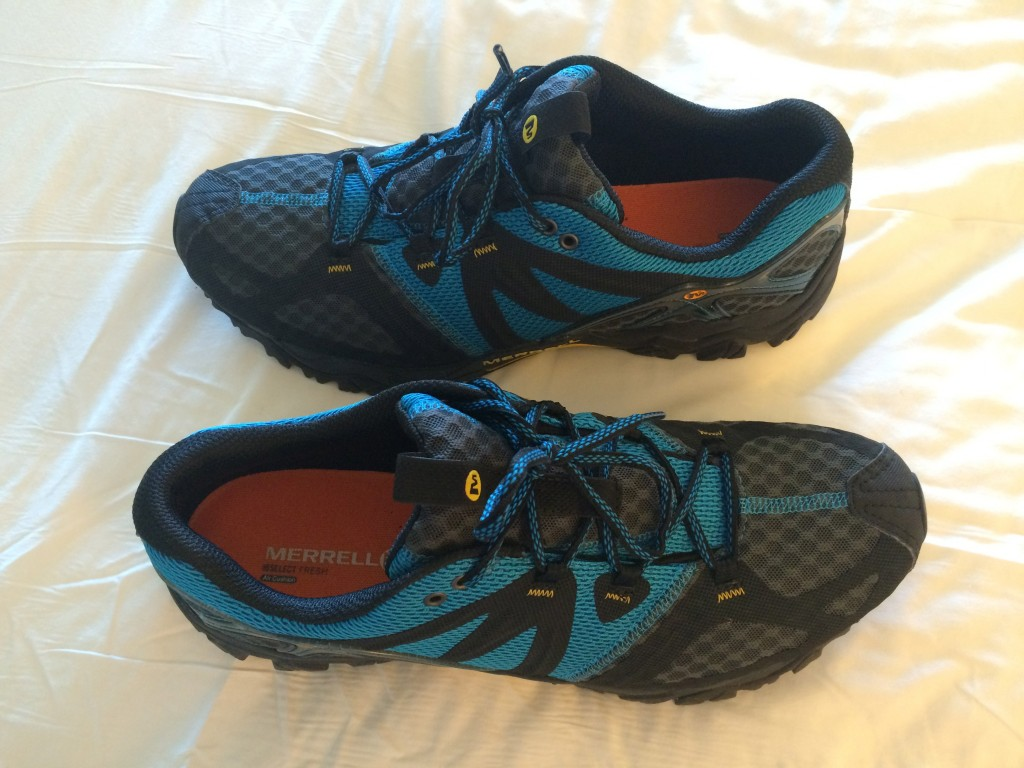TravelSmith, Whats in my carry on, Merrell, sneakers