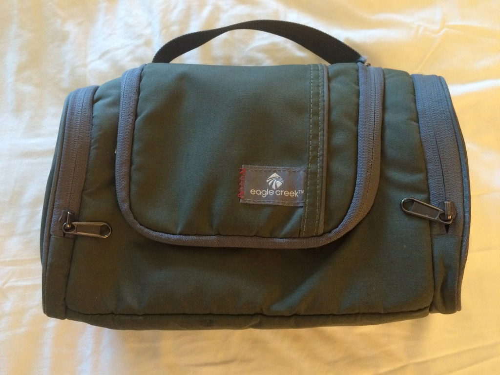 TravelSmith, Whats in my carry on, toiletry bag, eagle creek