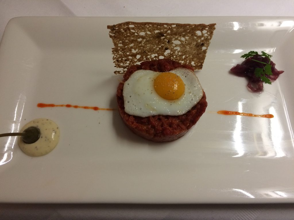 5 Awesome Things to do in Vienna, Austria, Vienna, Wien, beef tartar