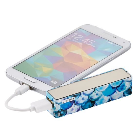 10 Must Have Travel Accessories, travel accessories, TravelSmith, Triple C Beauty Bar Mirrored Charger, charger