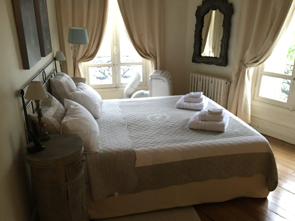Paris Perfect Vacation Rentals, Paris, France, bedroom