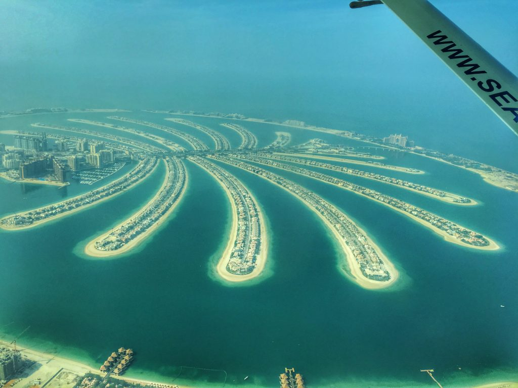 5 Awesome Things to do in Dubai, Things to do in Dubai, Dubai, UAE, United Arab Emirates, Emirates, scenic flight, seaplane, Palm Islands