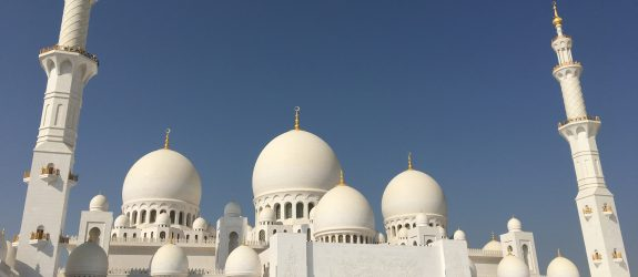 two things you must do in Abu Dhabi, Abu Dhabi, Emirates, United Arab Emirates, Sheikh Zayed Grand Mosque, Grand Mosque, mosque
