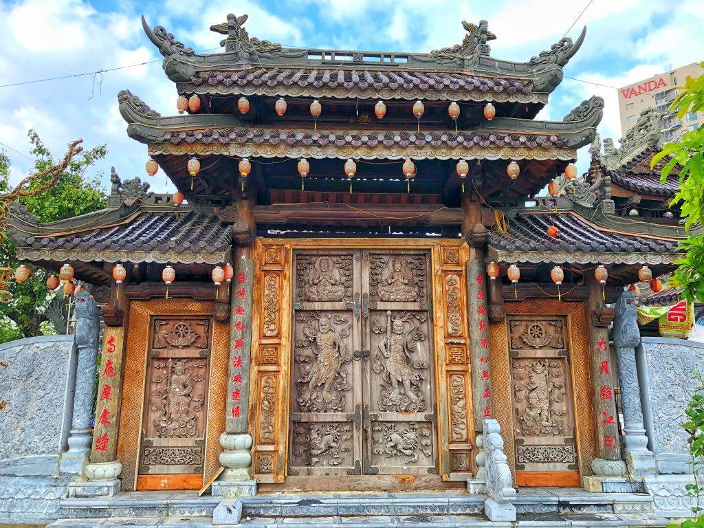 A door on the outside of the Hindu Museum in Danang