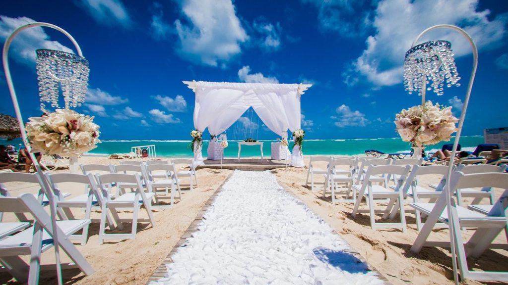 Many Americans Think Destination Weddings Are Selfish, Allianz Travel Insurance, Allianz Travel, Allianz Global Assistance